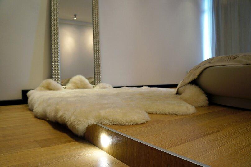1-комн. квартира, 54 кв.м. на 3 человека, улица Юмашева, 9, Екатеринбург - Фотография 12