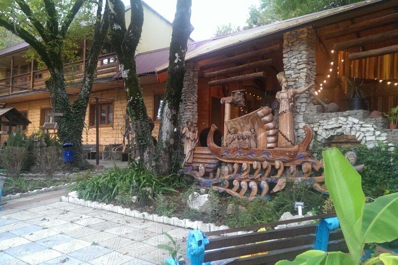 Гостевой дом на 12 чел (6 номеров), 300 кв.м. на 15 человек, 6 спален, Скальная улица, 4, село Монастырь, Сочи - Фотография 3