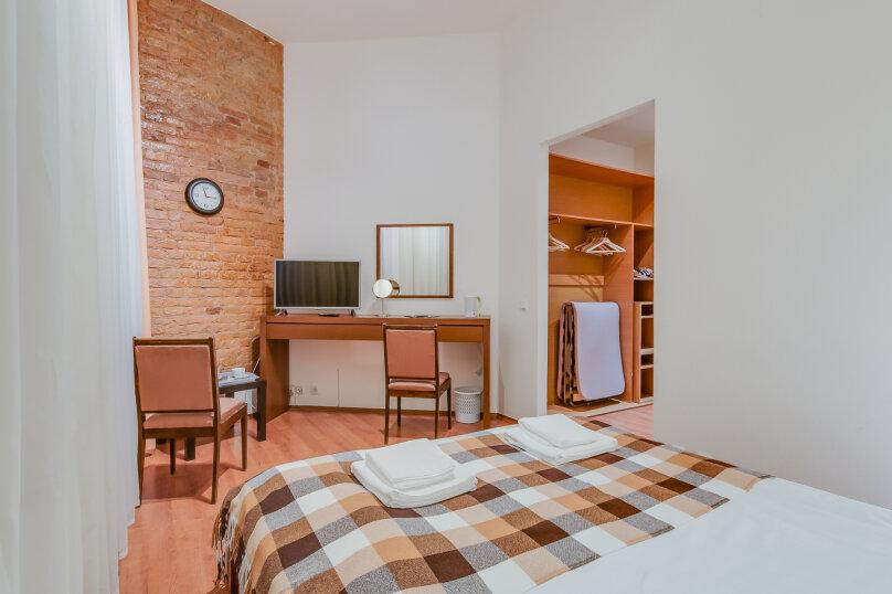 Улучшенный двухместный номер с 1 кроватью или 2 отдельными кроватями, Стремянная улица, 14, Санкт-Петербург - Фотография 1