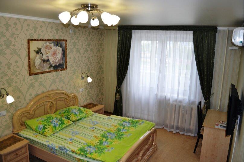 Стандарт улучшенный , проспект Мира, 72, Нижнекамск - Фотография 1