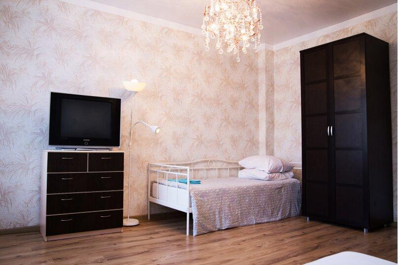 2-комн. квартира, 60 кв.м. на 7 человек, улица 8 Марта, 7, метро Площадь 1905 года, Екатеринбург - Фотография 5