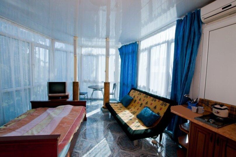 Номер на третьем этаже, Садовая улица, 24, Ялта - Фотография 3