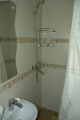 Сдается дом трех комнатный находится в историческом центре города Евпатория, 65 кв.м. на 5 человек, 3 спальни, Назаровская улица, Евпатория - Фотография 4