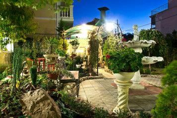 """Частный дом """"Зеленый дворик"""", улица Симонок, 81/39 на 5 комнат - Фотография 1"""