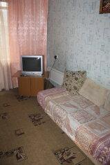 1-комн. квартира, 40 кв.м. на 4 человека, улица Молокова, 31, Советский район, Красноярск - Фотография 2
