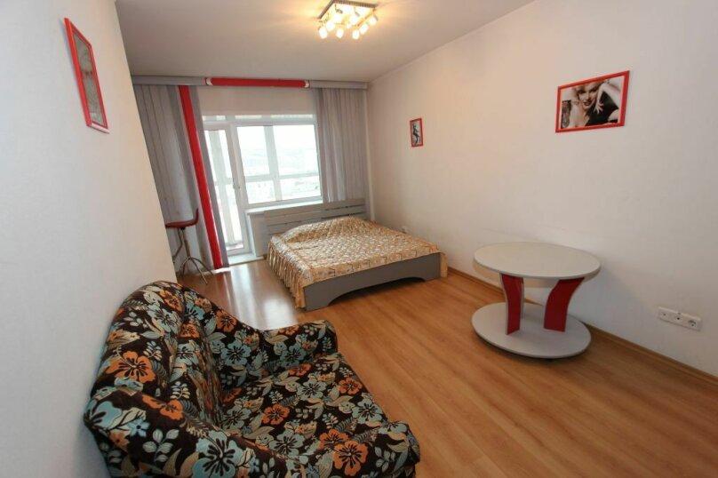 1-комн. квартира, 33 кв.м. на 3 человека, улица Карла Маркса, 131, Красноярск - Фотография 1