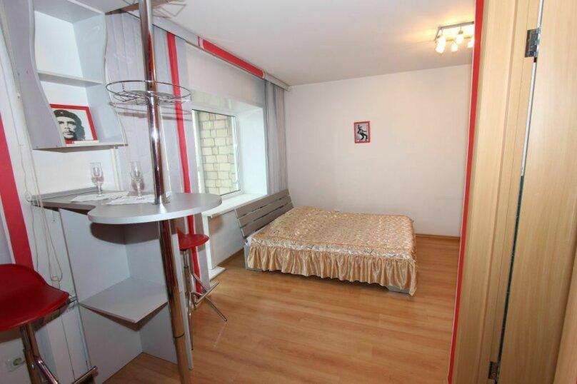 1-комн. квартира, 33 кв.м. на 3 человека, улица Карла Маркса, 131, Красноярск - Фотография 10