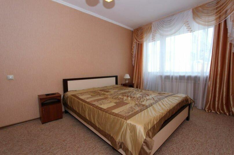 1-комн. квартира на 2 человека, улица Сурикова, 6, Красноярск - Фотография 1
