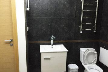 Место в 8-ми местном номере:  Номер, Стандарт, 8-местный, 1-комнатный, Хостел, улица Тургенева, 4 на 18 номеров - Фотография 3