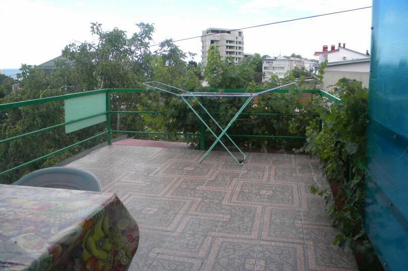 Двухкомнатный с верандой 2й этаж, Пионерская улица, 44, Алушта - Фотография 10