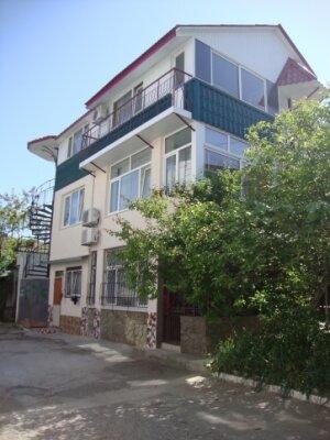 Гостевой дом, улица 15 Апреля, 39А на 6 номеров - Фотография 1