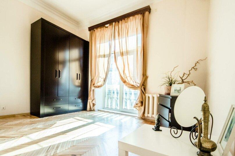 2-комн. квартира, 52 кв.м. на 6 человек, проспект Мира, 70, метро Проспект Мира, Москва - Фотография 1
