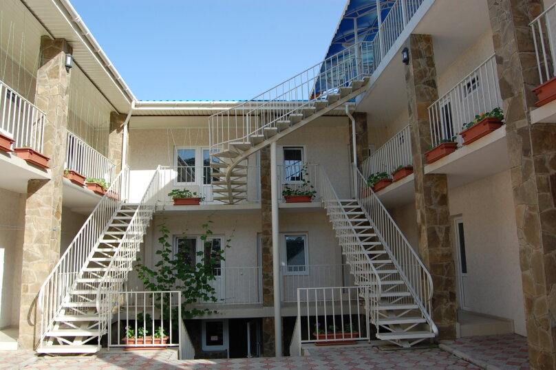 """Гостевой дом """"Hotel Efsane"""", Туакская, 19 на 49 комнат - Фотография 1"""