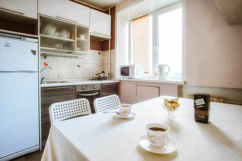 3-комн. квартира, 65 кв.м. на 6 человек, улица Жилина, 62, Тольятти - Фотография 3