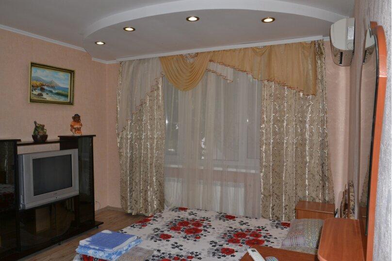 1-комн. квартира, 25 кв.м. на 4 человека, улица Горького, 5, Алушта - Фотография 1