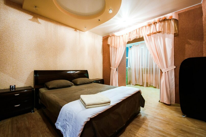 2-комн. квартира, 70 кв.м. на 4 человека, бульвар Ибрагимова, 46, Уфа - Фотография 8