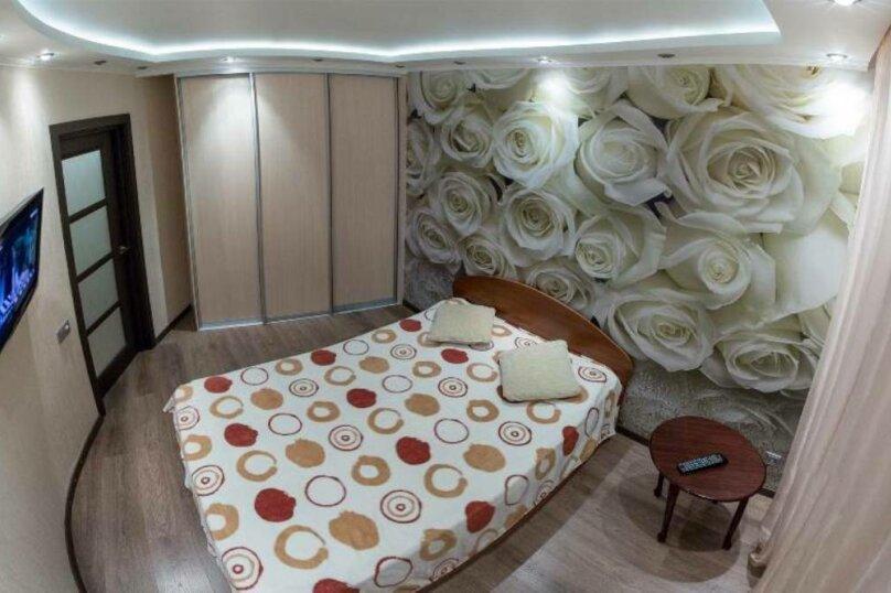 2-комн. квартира, 80 кв.м. на 4 человека, Советская улица, 87, Курган - Фотография 1