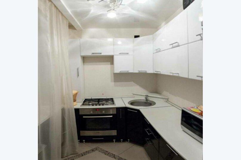 2-комн. квартира, 80 кв.м. на 4 человека, Советская улица, 87, Курган - Фотография 9