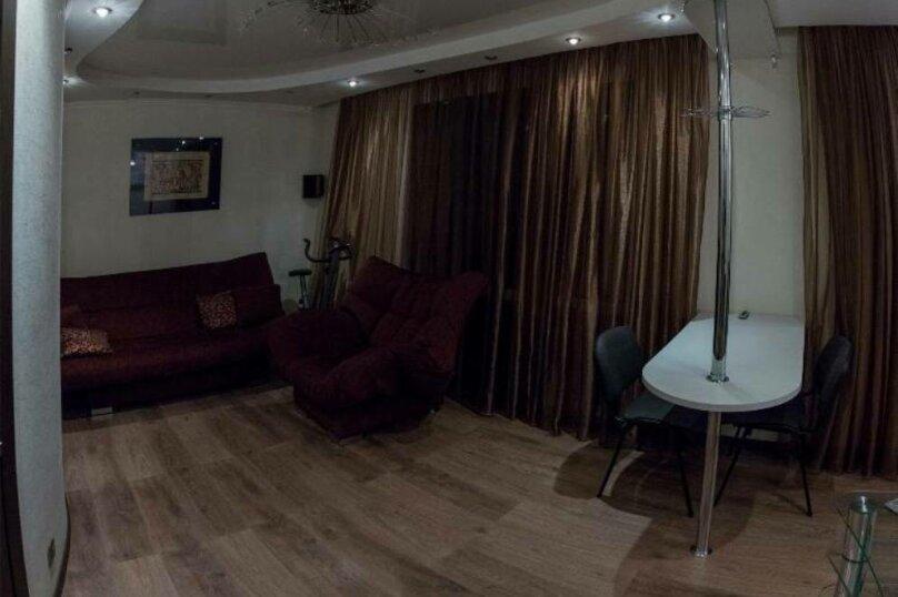 2-комн. квартира, 80 кв.м. на 4 человека, Советская улица, 87, Курган - Фотография 11