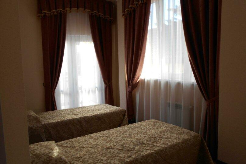 Гостевой дом в п. Красная Поляна, Заповедная улица, 3 на 15 комнат - Фотография 12