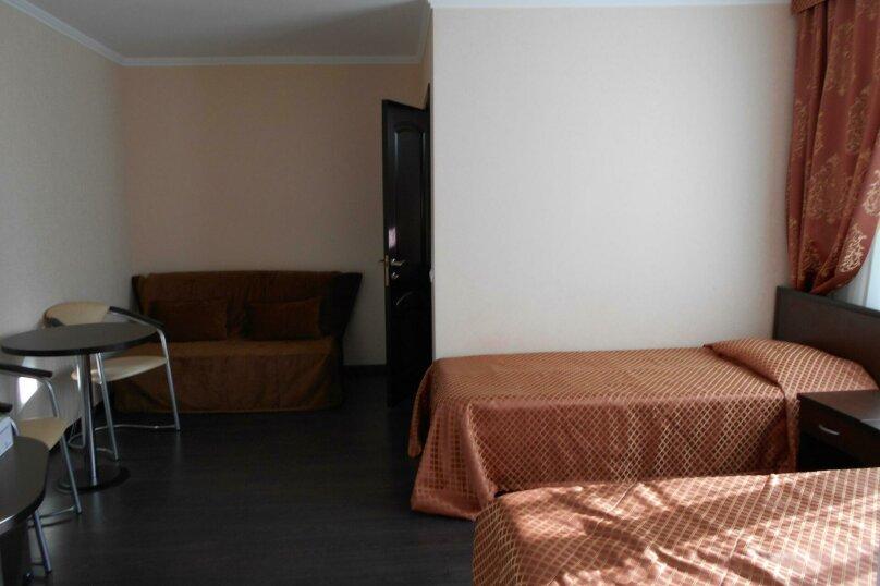 Гостевой дом в п. Красная Поляна, Заповедная улица, 3 на 15 комнат - Фотография 1