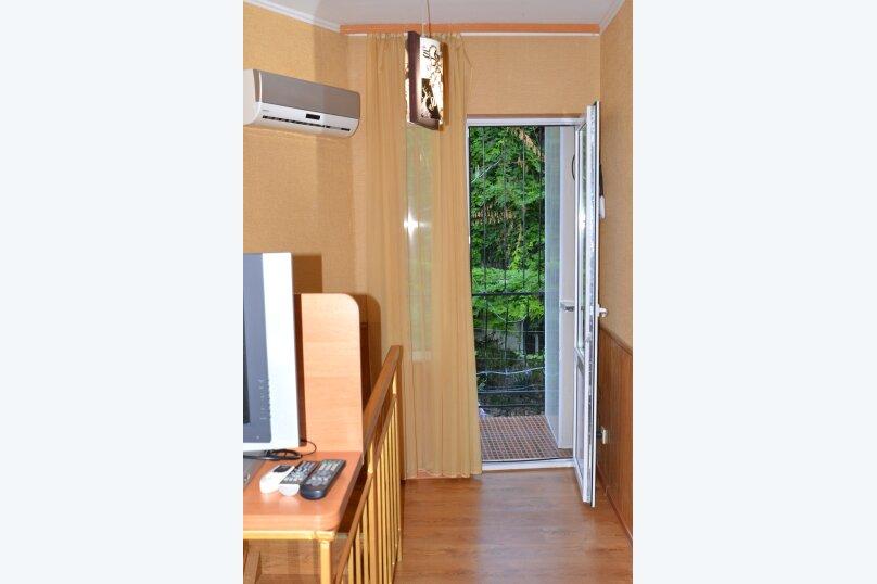 Двухуровневый коттедж у моря, 25 кв.м. на 3 человека, 1 спальня, улица Горького, 5, Алушта - Фотография 2