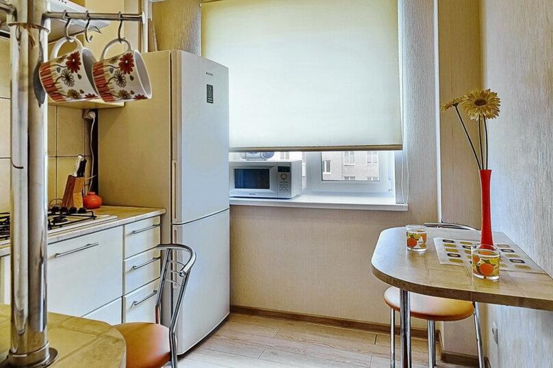 2-комн. квартира, 40 кв.м. на 4 человека, улица Чернышевского, 223/231, Саратов - Фотография 5