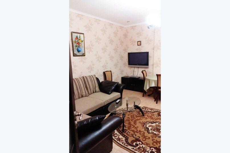 2-комн. квартира, 55 кв.м. на 4 человека, улица Чехова, 6, Ялта - Фотография 1