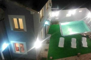Апартаменты в частном новом доме, 60 кв.м. на 5 человек, 2 спальни, Симферопольское шоссе, Массандра, Ялта - Фотография 1