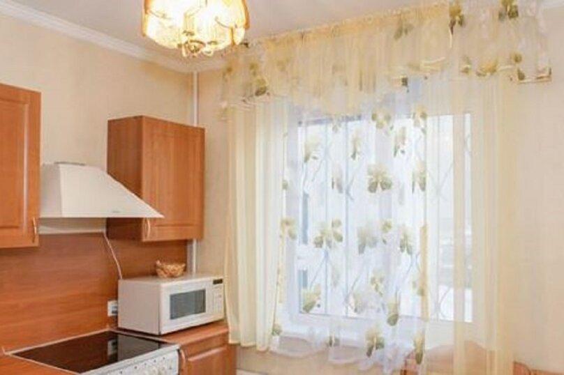 2-комн. квартира, 54 кв.м. на 2 человека, улица Марченко, 39, Челябинск - Фотография 8