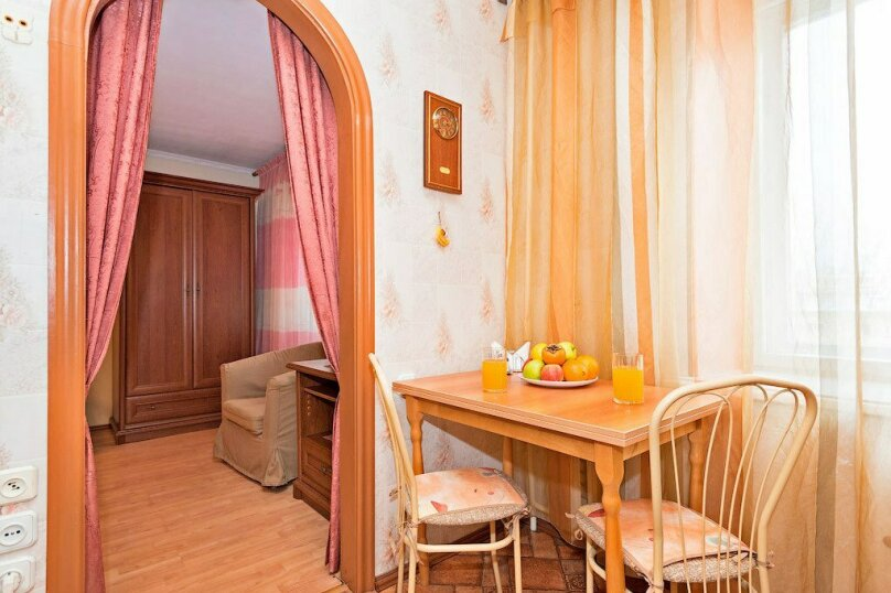 1-комн. квартира, 39 кв.м. на 3 человека, улица Луначарского, 66, Пермь - Фотография 9