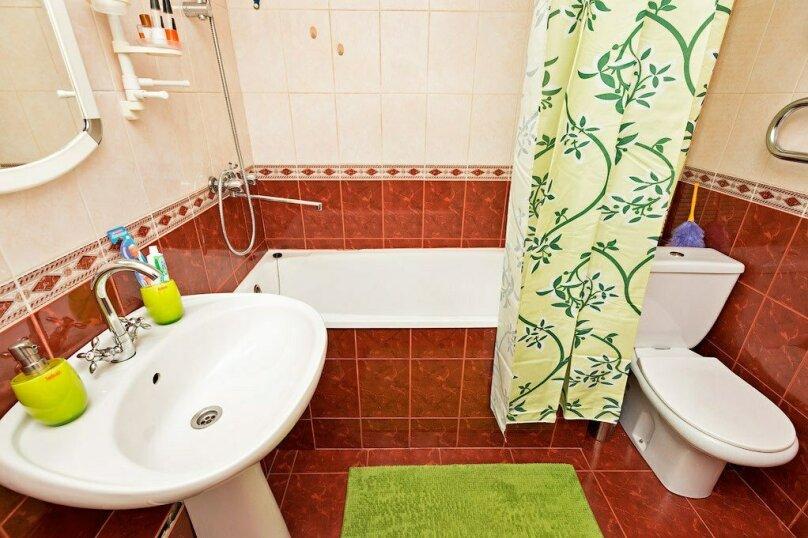 1-комн. квартира, 39 кв.м. на 3 человека, улица Луначарского, 66, Пермь - Фотография 10
