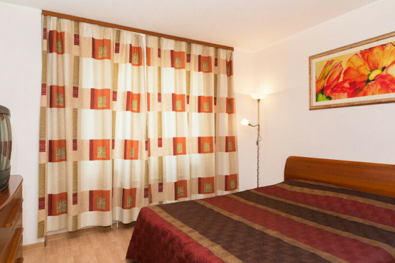 2-комн. квартира, 57 кв.м. на 5 человек, Монастырская улица, 41, Пермь - Фотография 5