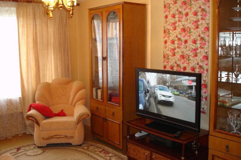 2-комн. квартира, 50 кв.м. на 5 человек, Инженерная улица, 62, Псков - Фотография 1