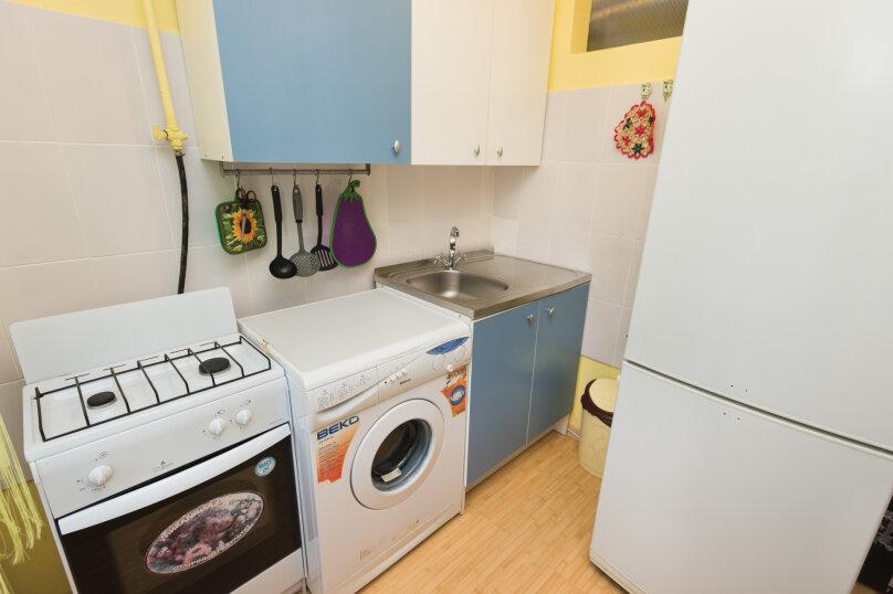 1-комн. квартира, 34 кв.м. на 4 человека, улица Попова, 25, метро Площадь 1905 года, Екатеринбург - Фотография 7