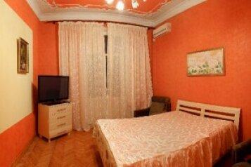 2-комн. квартира, 60 кв.м. на 5 человек, улица Ленина, 18, Севастополь - Фотография 1