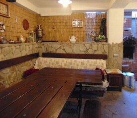 Дом в Ялте с палисадником на 8 -10 чел (max 12 чел), 130 кв.м. на 12 человек, 4 спальни, улица Кирова, Ялта - Фотография 3