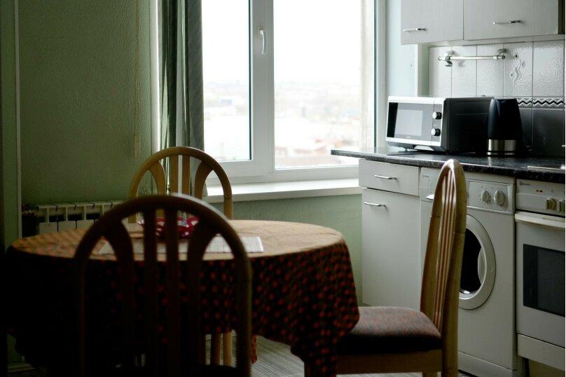 2-комн. квартира, 57 кв.м. на 4 человека, улица Цвиллинга, 34, Челябинск - Фотография 3