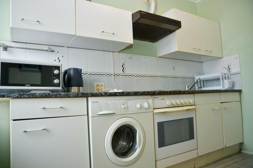 2-комн. квартира, 57 кв.м. на 4 человека, улица Цвиллинга, 34, Челябинск - Фотография 15