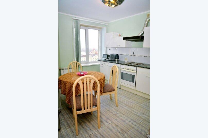 2-комн. квартира, 57 кв.м. на 4 человека, улица Цвиллинга, 34, Челябинск - Фотография 18