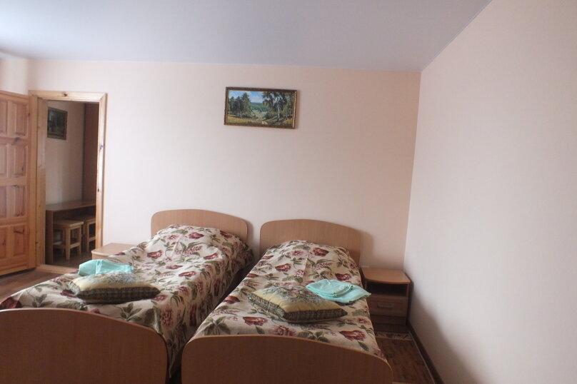 """Гостевой дом """"Уютное гнёздышко"""", Центральная улица, 35 на 3 комнаты - Фотография 4"""