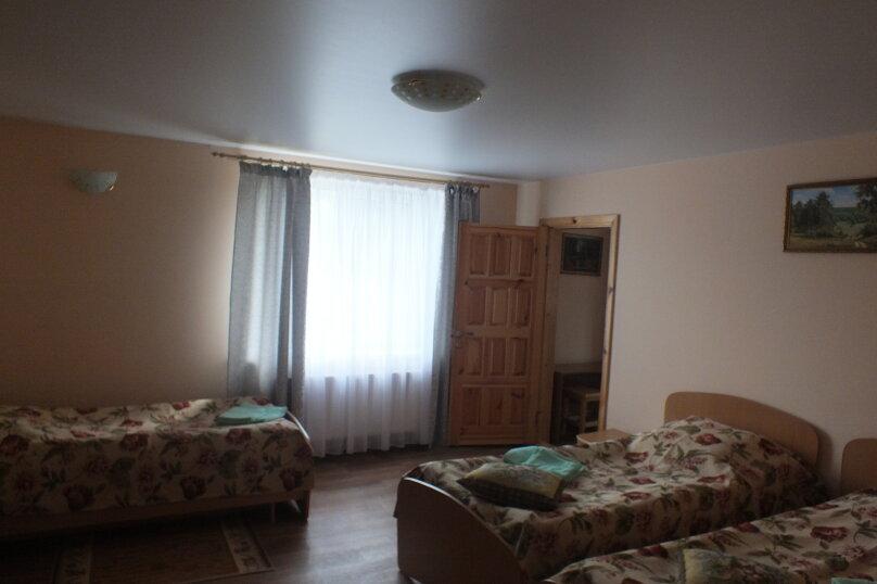 """Гостевой дом """"Уютное гнёздышко"""", Центральная улица, 35 на 3 комнаты - Фотография 8"""