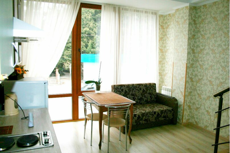 Квартира в двух уровнях, улица Прибрежная, 13, Ялта - Фотография 1