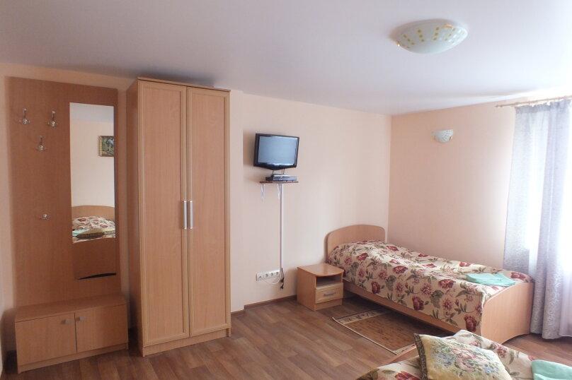 """Гостевой дом """"Уютное гнёздышко"""", Центральная улица, 35 на 3 комнаты - Фотография 24"""