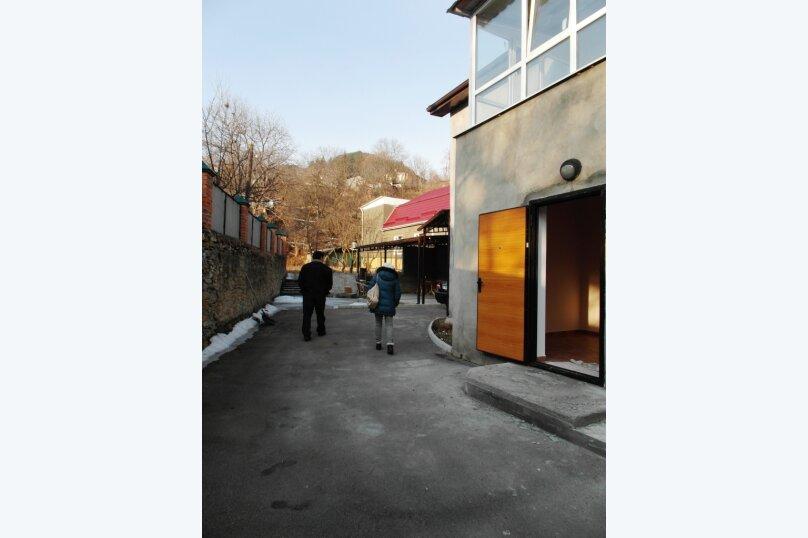 Дом, 100 кв.м. на 8 человек, 3 спальни, Ольховская улица, 30, Кисловодск - Фотография 2