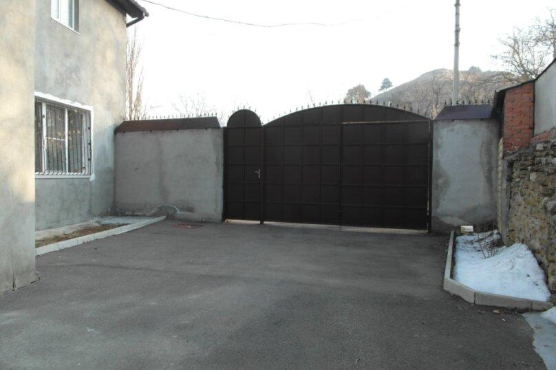 Дом, 100 кв.м. на 8 человек, 3 спальни, Ольховская улица, 30, Кисловодск - Фотография 3