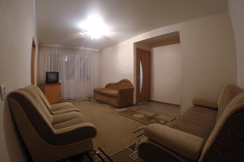 2-комн. квартира, 50 кв.м. на 5 человек, улица Степана Халтурина, 53, Уфа - Фотография 1