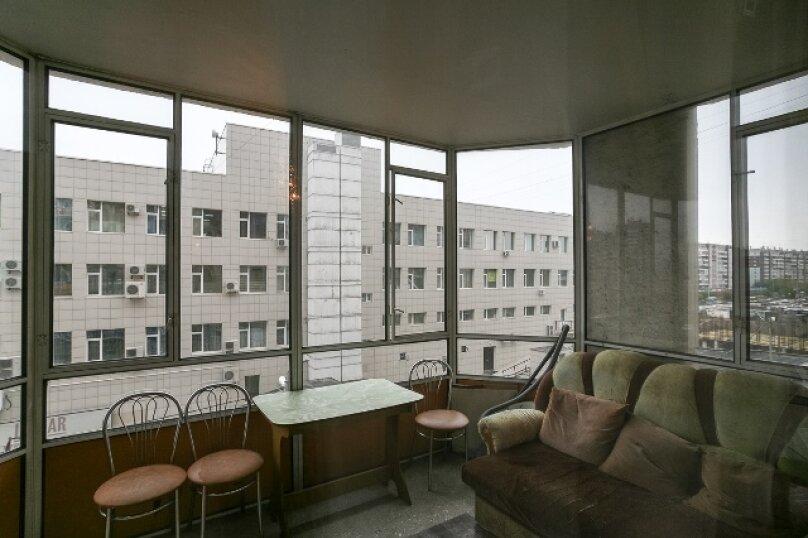 2-комн. квартира, 50 кв.м. на 2 человека, улица 78 Добровольческой Бригады, 4, Красноярск - Фотография 6