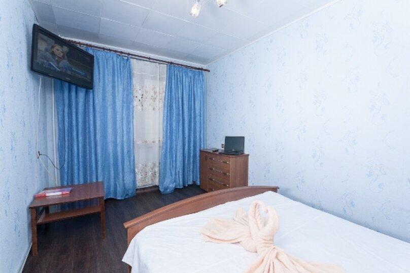 2-комн. квартира, 50 кв.м. на 2 человека, улица 78 Добровольческой Бригады, 4, Красноярск - Фотография 13