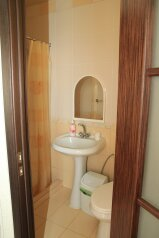 Частный дом, улица Кати Соловьяновой, 49 на 8 номеров - Фотография 4
